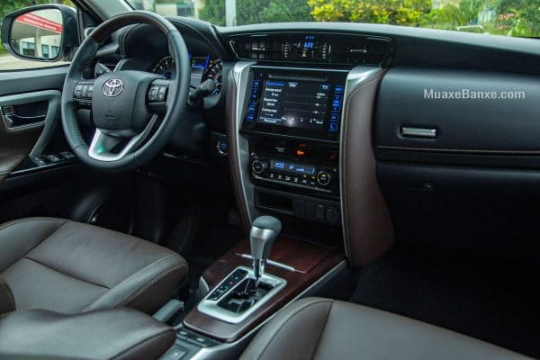 noi-that-xe-toyota-fortuner-trd-sportivo-2019-27l-42-may-xang-muaxegiatot-vn